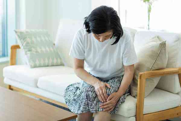 関節に走る痛みの原因は? その痛み、変形性膝関節症かも!